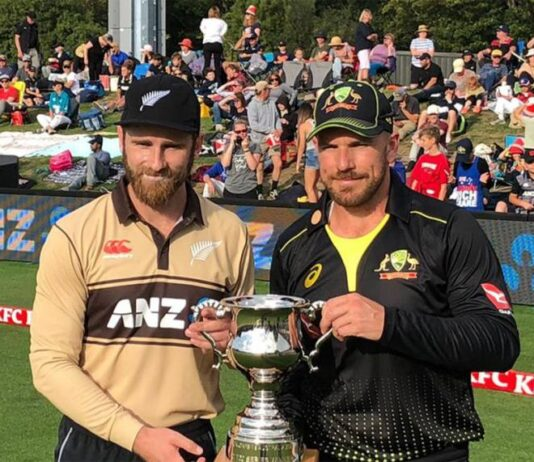 Williamson and Finch with NzvsAus Trophy